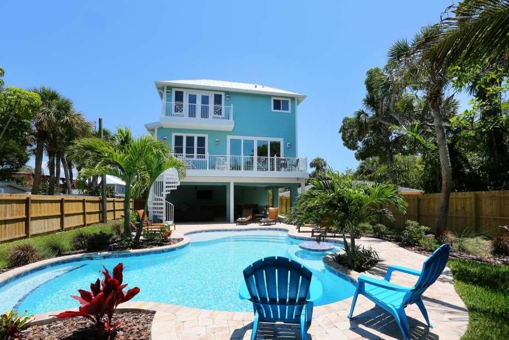 Vacation home big family beach house anna maria fl for Large beach house