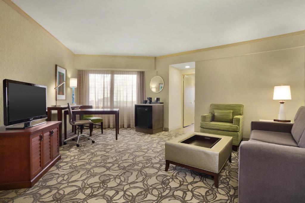 Hotel Embassy Suites San Antonio Airport TX Booking Beauteous 2 Bedroom Suites San Antonio Tx Property