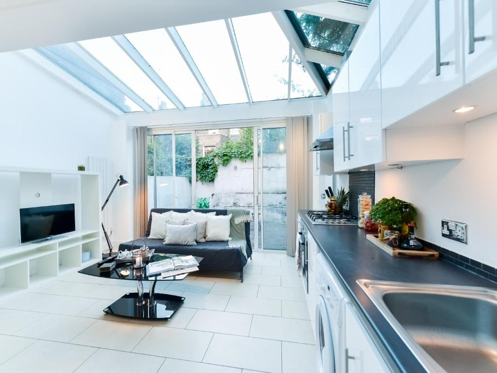 Amazing Property Close to Kings Cross, London – Updated 2018 Prices
