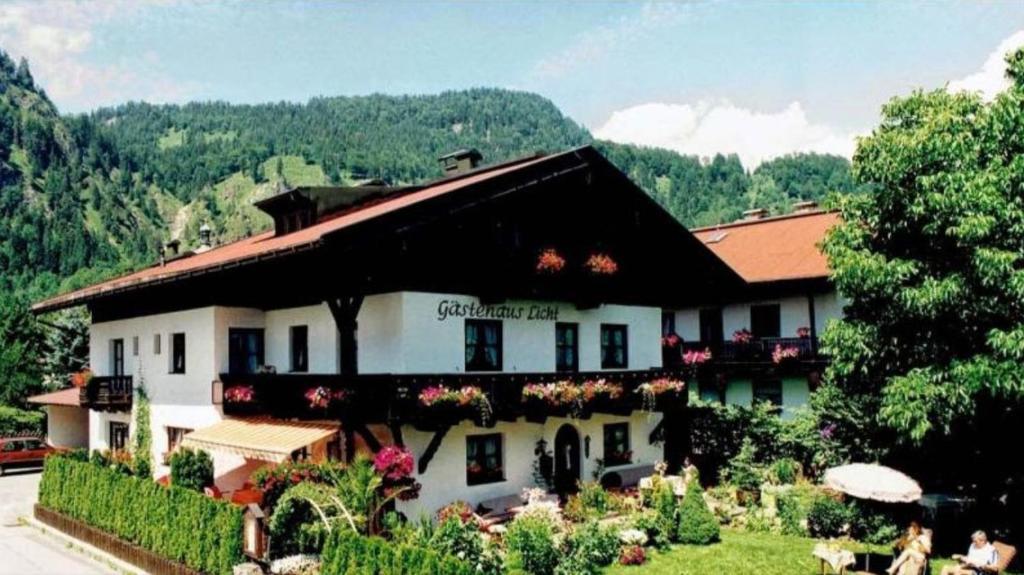Ferienwohnung Gästehaus Licht (Deutschland Reit im Winkl) - Booking.com