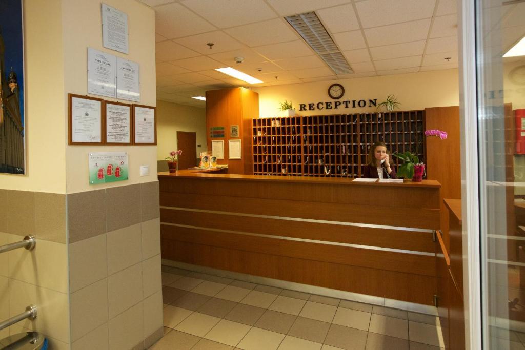 OEC West Hostel Lefoglalom most. Kép a szállásról a galériában Kép a  szállásról a galériában Kép a szállásról a galériában Kép a szállásról a  galériában Kép ... 984fd05f50