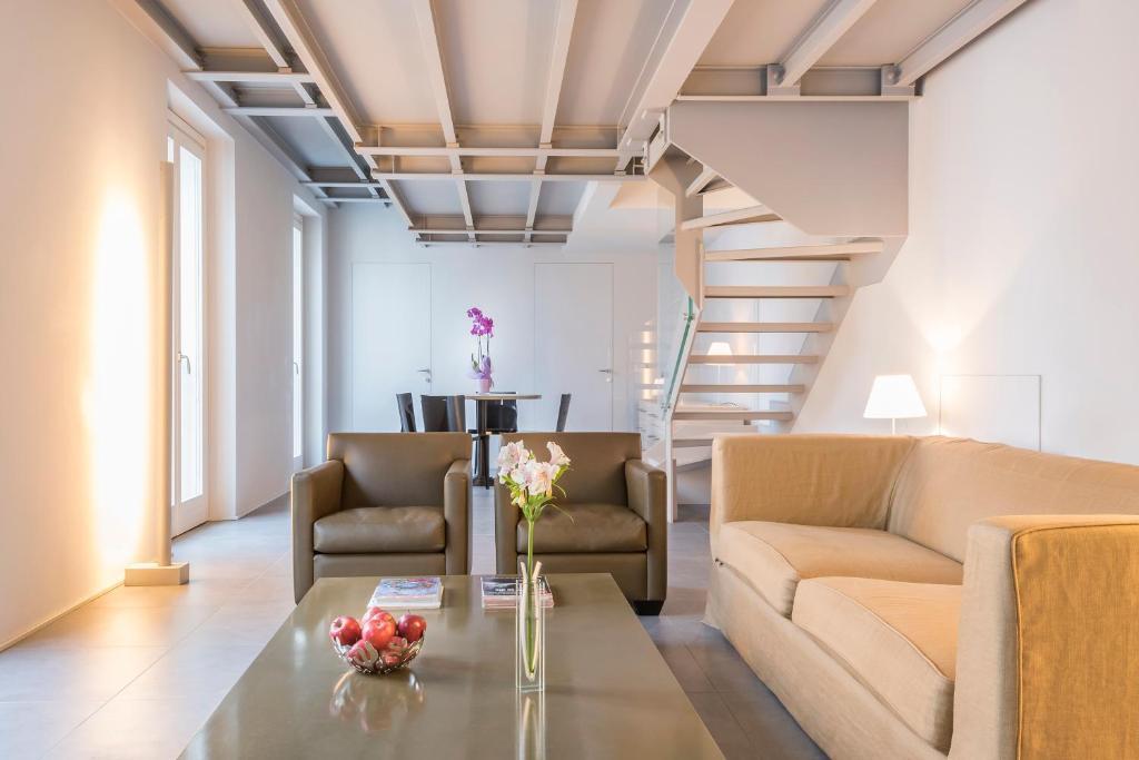 apartment adelaide - corso magenta, milan, italy - booking