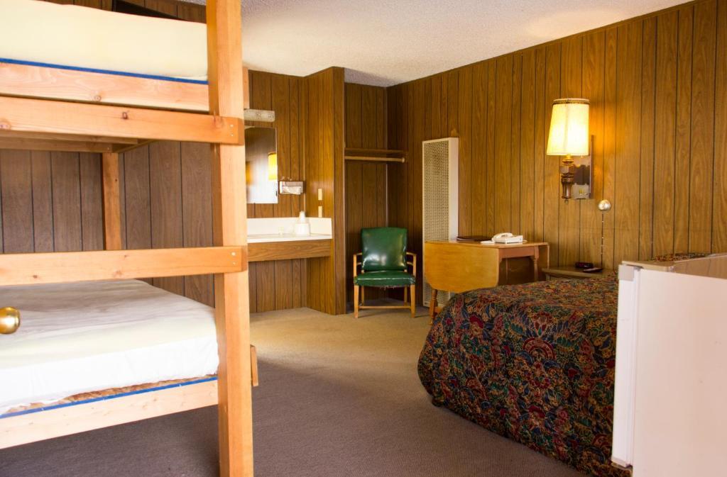 The Village Inn Motel Restaurant Challis Usa Deals Updated