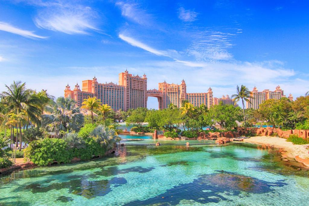 Bilderesultat for the royal at atlantis