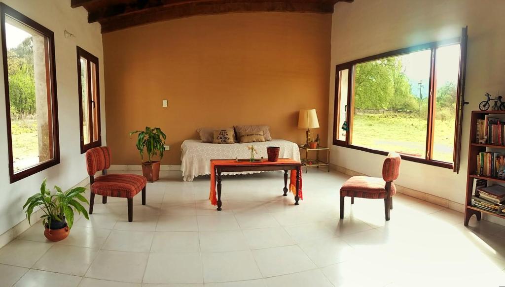 Casa de campo san salvador de jujuy argentina for Casas de campo de dos plantas