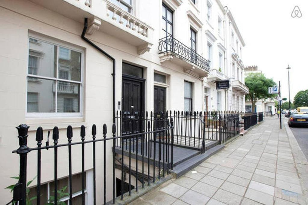 Central London Apartment Warwick Way, UK - Booking.com