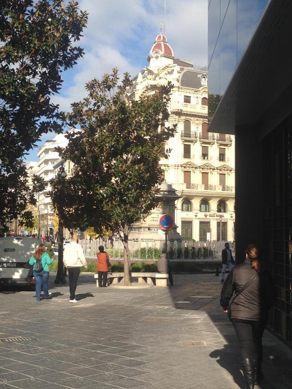 Apartamento Plaza Isabel la Católica foto