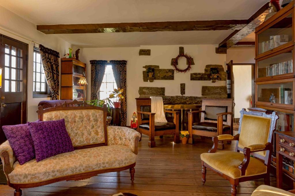 Vacation Home Castle On Glen Elmira Ny Bookingcom