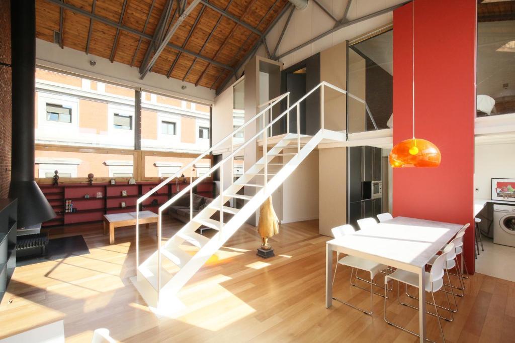 Apartamento loft d plex plaza mayor lux espa a madrid - Duplex en madrid ...
