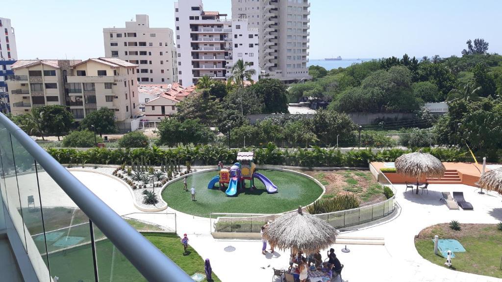 Apartamento torres del mar santa marta con opiniones for Apartamentos en torre del mar con piscina