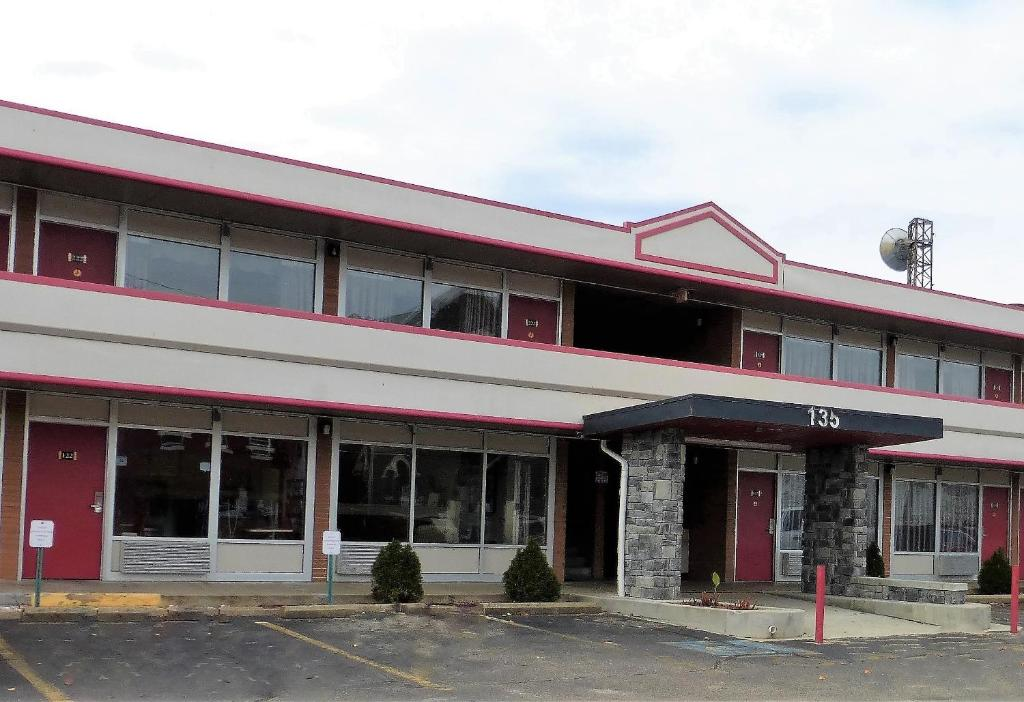 Red Roof Inn Zanesville Oh Booking Com