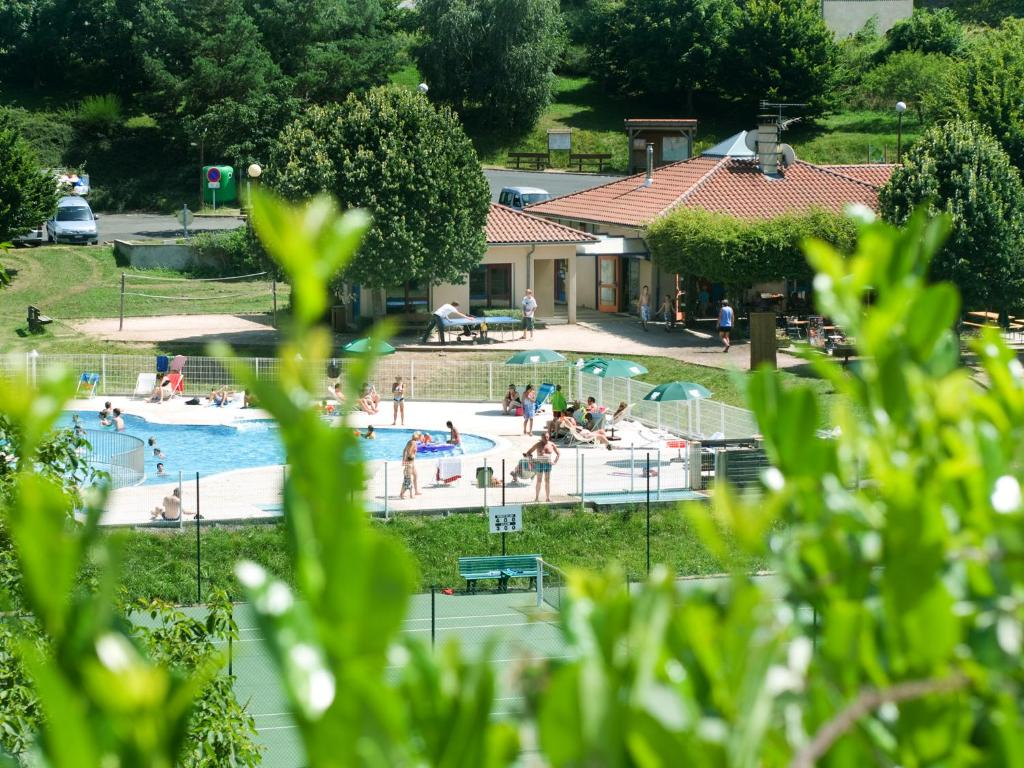 The swimming pool at or near Huttopia Royat