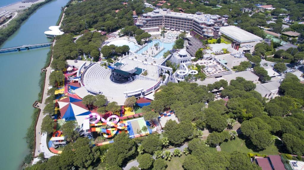 Почувствуйте себя знаменитостью благодаря великолепному сервису в Xanadu Resort Hotel