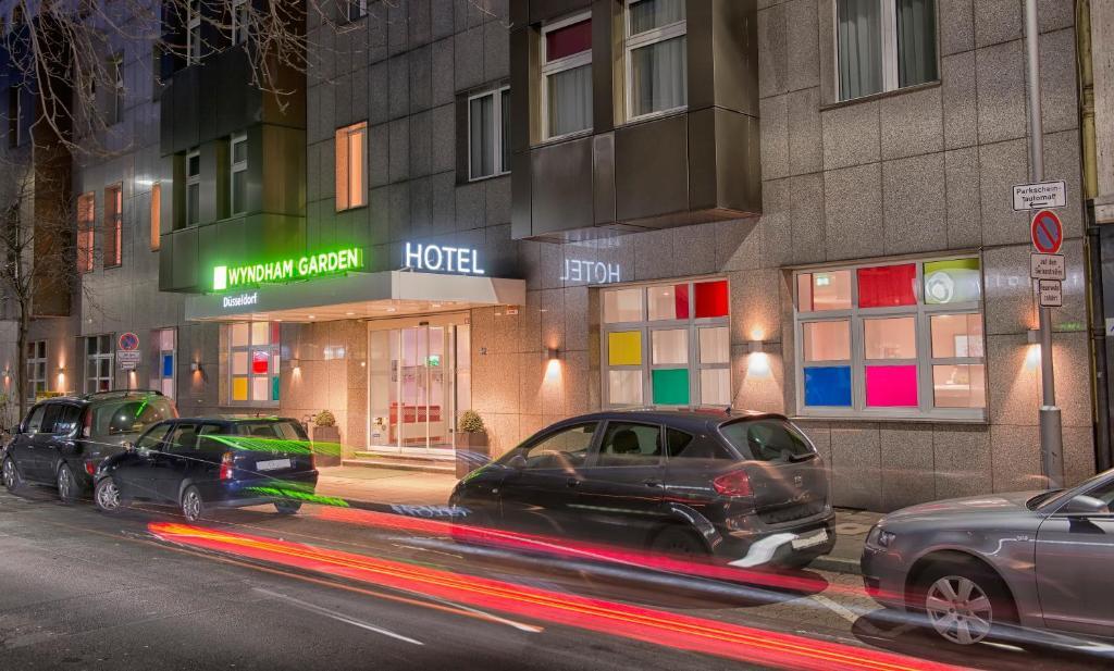 hotel wyndham garden duesseldorf dusseldorf germany. Black Bedroom Furniture Sets. Home Design Ideas