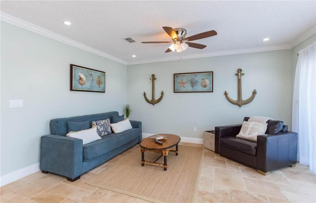 Flagler Beachside Suites 2 Two Bedroom Condo 418 FL. Bedroom Suites Offer Gorgeous Views Of The Cityscape Along With 2