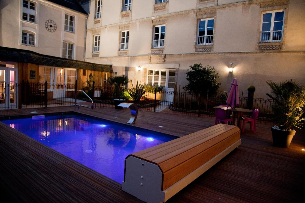 Hotel Du Luxembourg, Bayeux, France - Booking.com