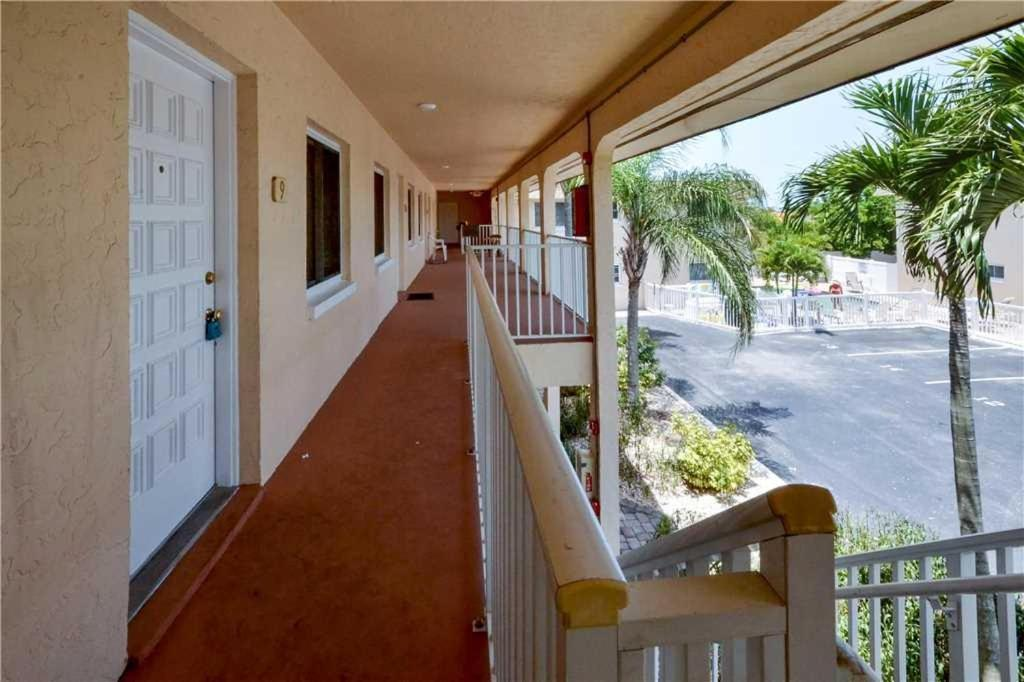 Parkside Two Bedroom Condo 9 St Pete Beach Fl