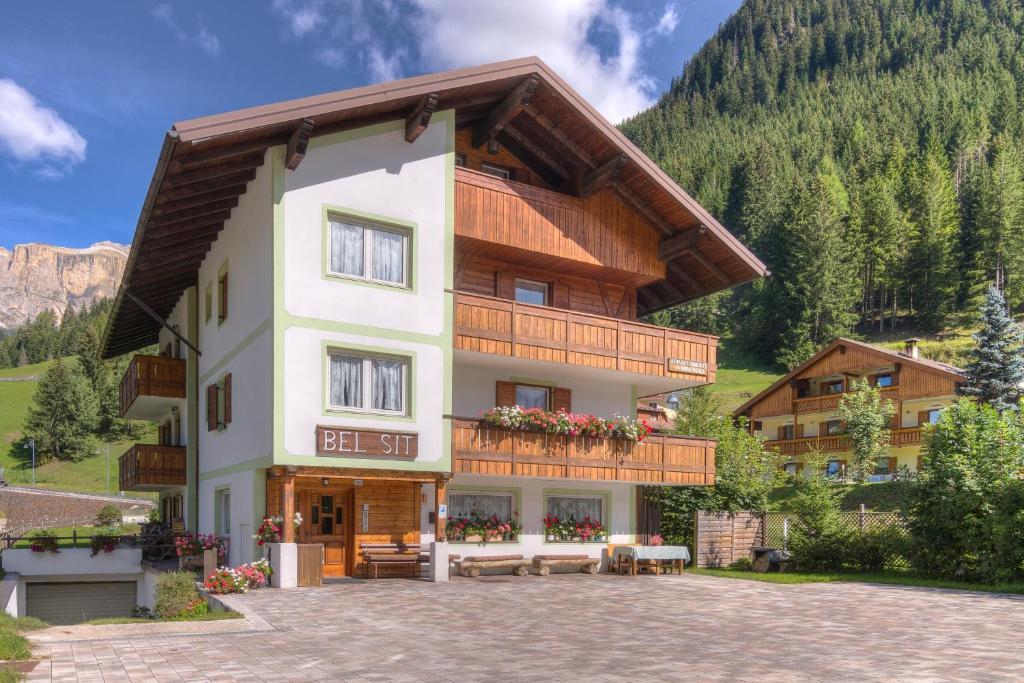 Nearby hotel : Residence BEL SIT