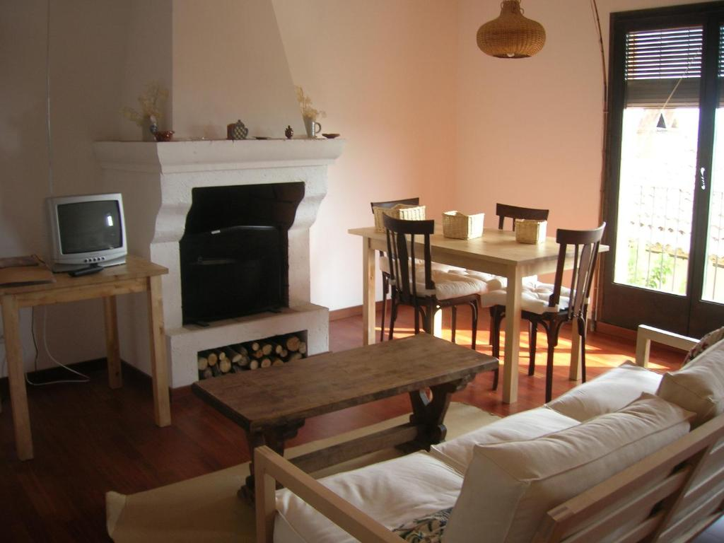 Apartments In Montsonis Catalonia