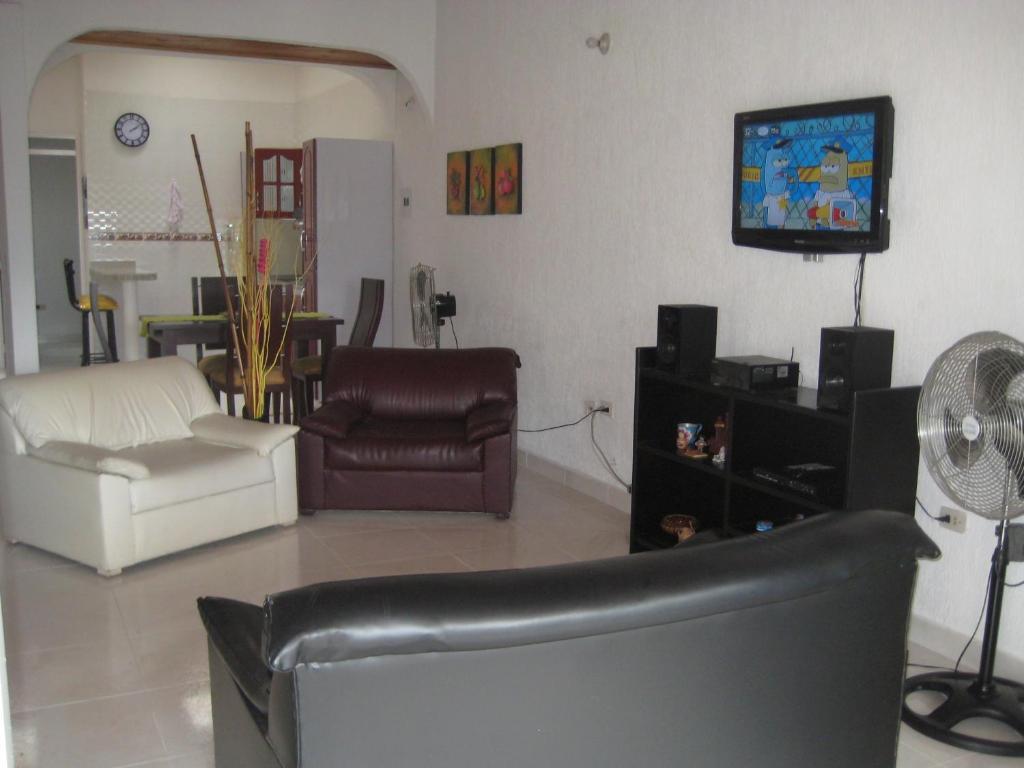 A seating area at Aerovacaciones Ltda