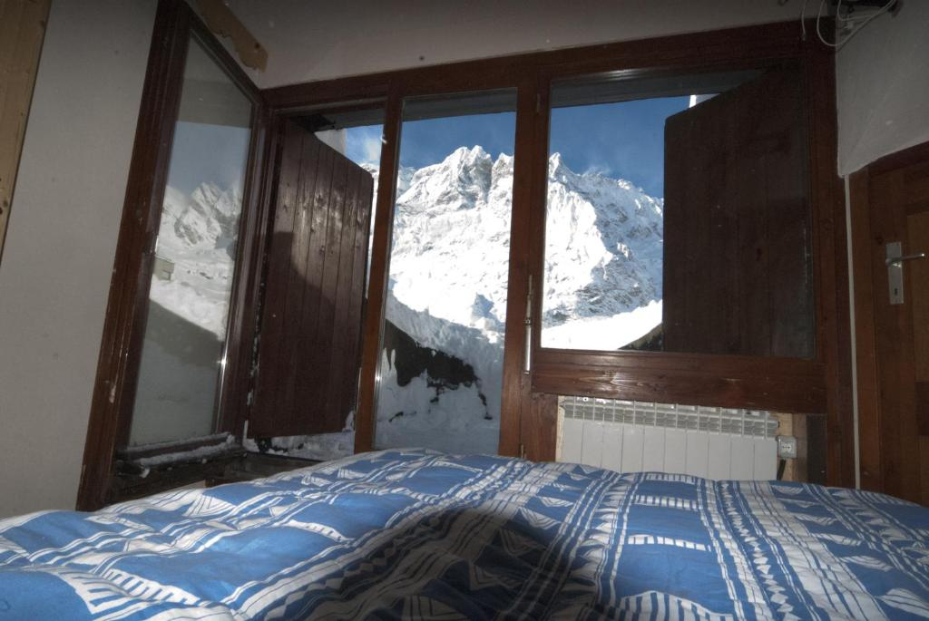 Panoramic Apartments Piolet Panoramic Apartments Breuilcervinia Italy  Booking
