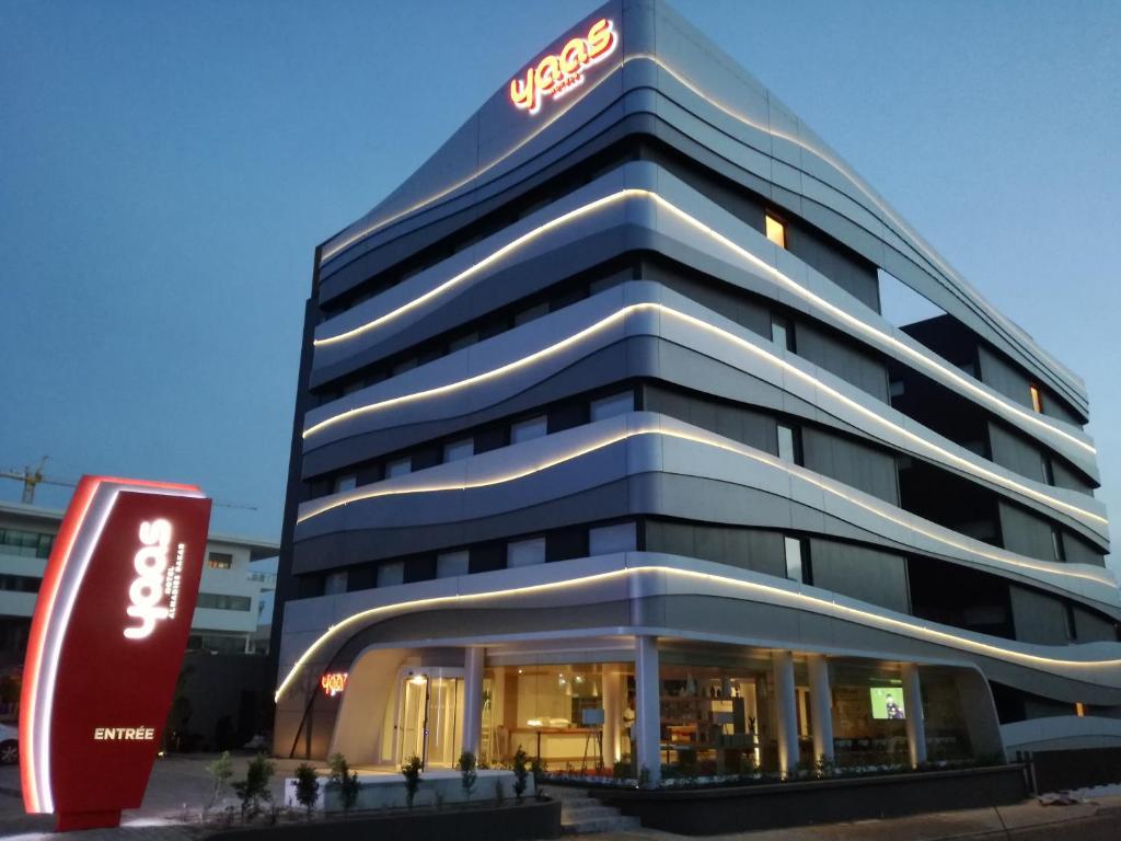 Yaas hotel dakar almadies dakar tarifs 2018 for Tarifs hotel