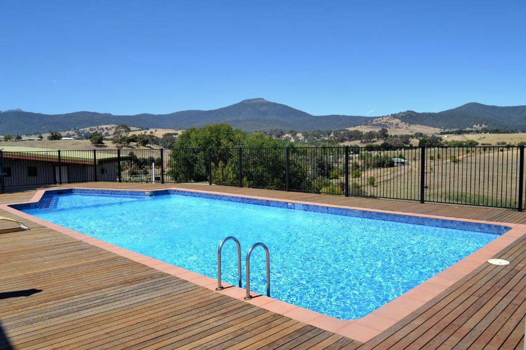 Delatite Apartments - Timbertop and Fir, Merrijig, Australia ...