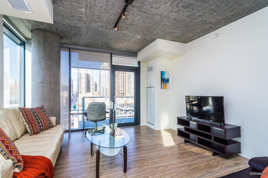 Apartment Luxury Suites in South Loop Chicago, IL ...