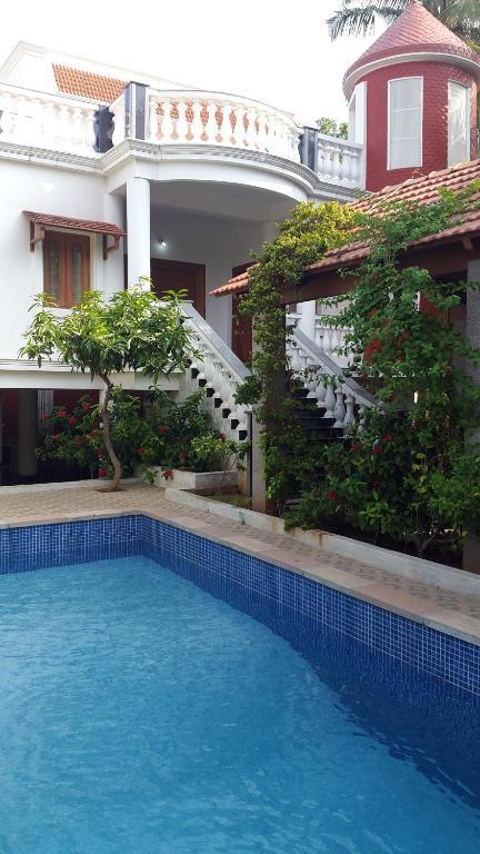 Pondicherry hook up, carlotta champagne sex