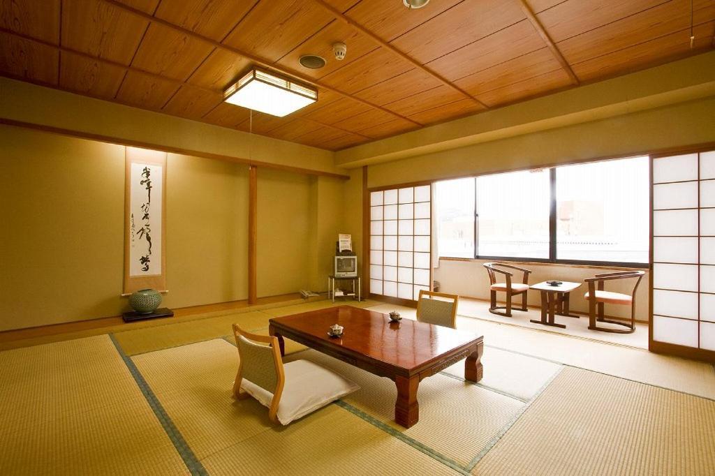 ポイント3.和食と洋食から選べる朝食!レストラン「松花」