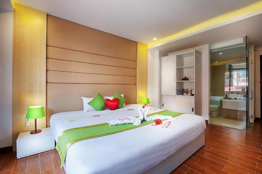 Cama o camas de una habitación en Vinh Hung 2 Hotel