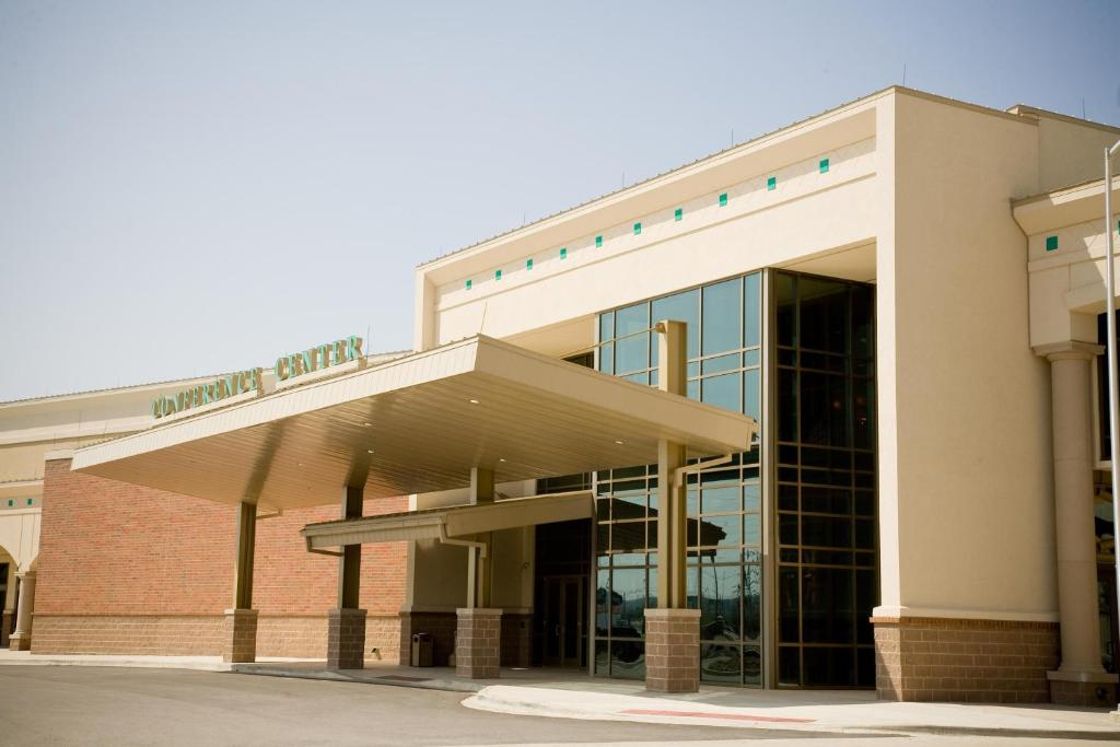 Emby Suites East Peoria Hotel And Riverfront Conference Center
