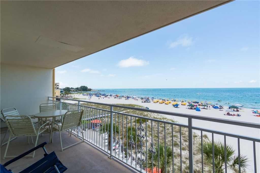 Madeira Norte Two Bedroom Apartment 311 Bandar Kin St Pete Beach