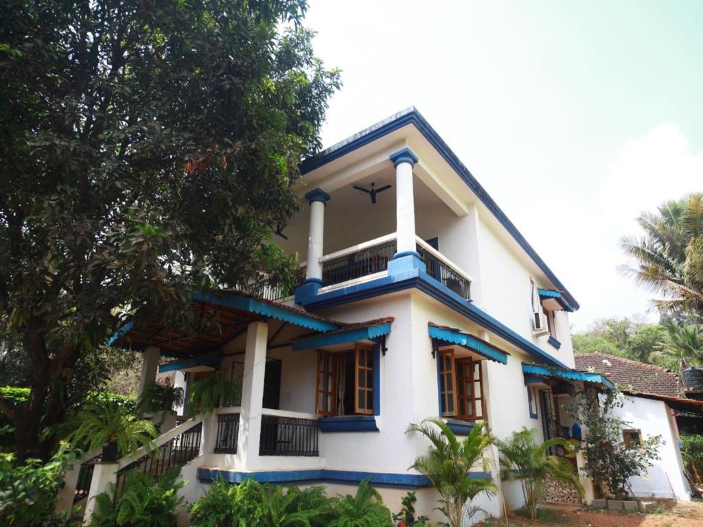 Villa saffronstays casa susegado panaji india for Booking casas