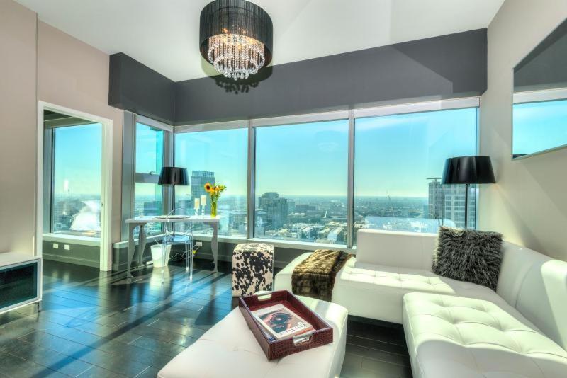 Luxury Apartments Downtown LA, Los Angeles, CA - Booking.com