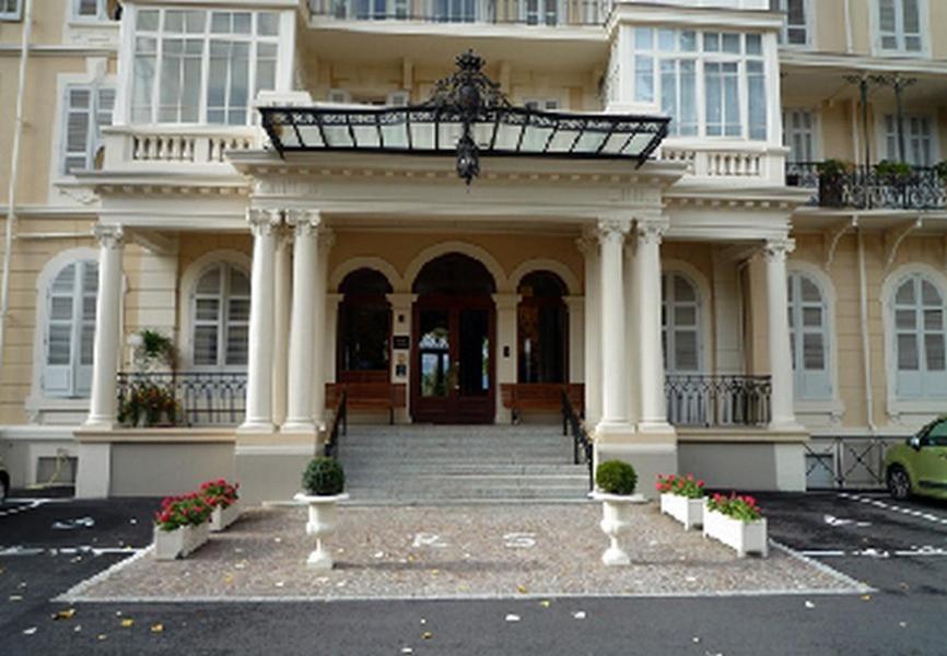 b b chambres d 39 h tes un balcon au splendide france aix les bains. Black Bedroom Furniture Sets. Home Design Ideas