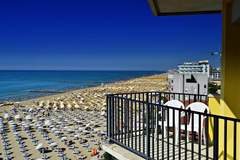 Hotel Mondial, Lido di Jesolo, Italy - Booking.com