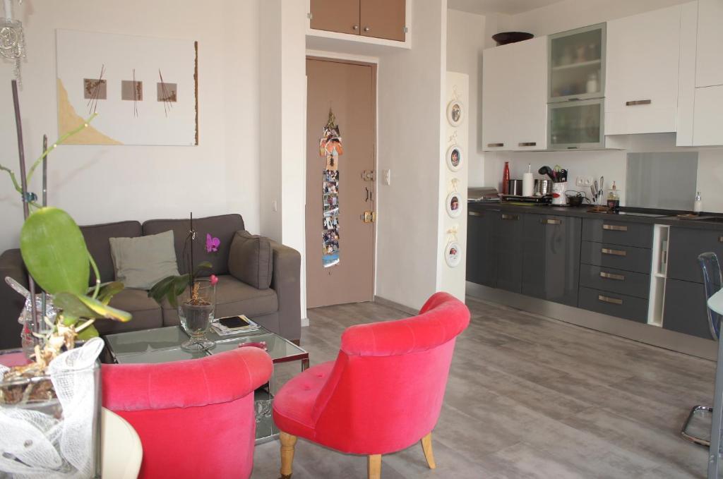 apartment le louvre, menton, france - booking