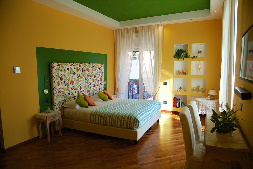 Bed and breakfast il giardino segreto sorrento italy booking