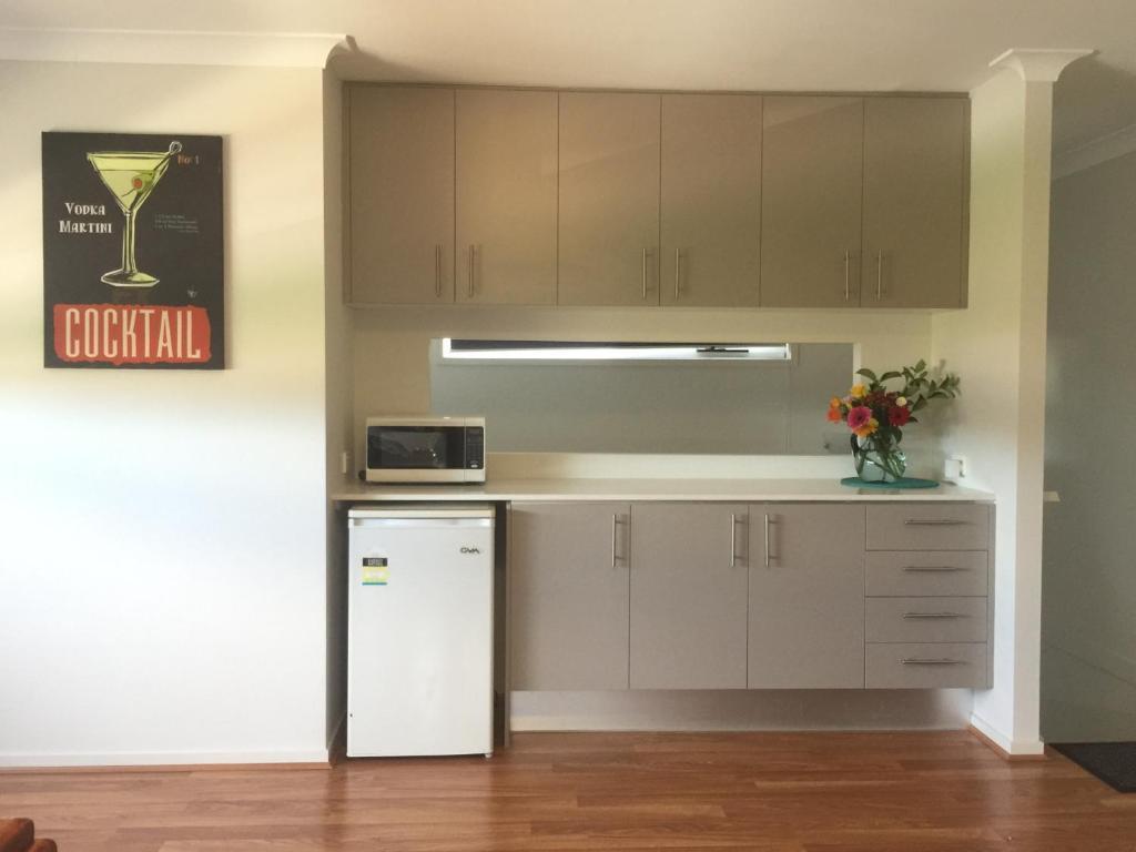 Studio Apartment Australia apartment studio 142, elderslie, australia - booking