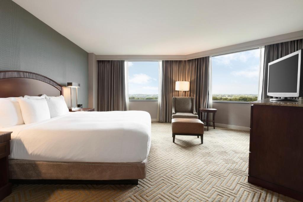 Hotel Hilton East Brunswick NJ Bookingcom