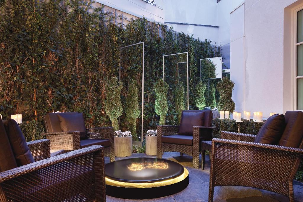 Les Jardins De La Villa, Paris, France - Booking.com