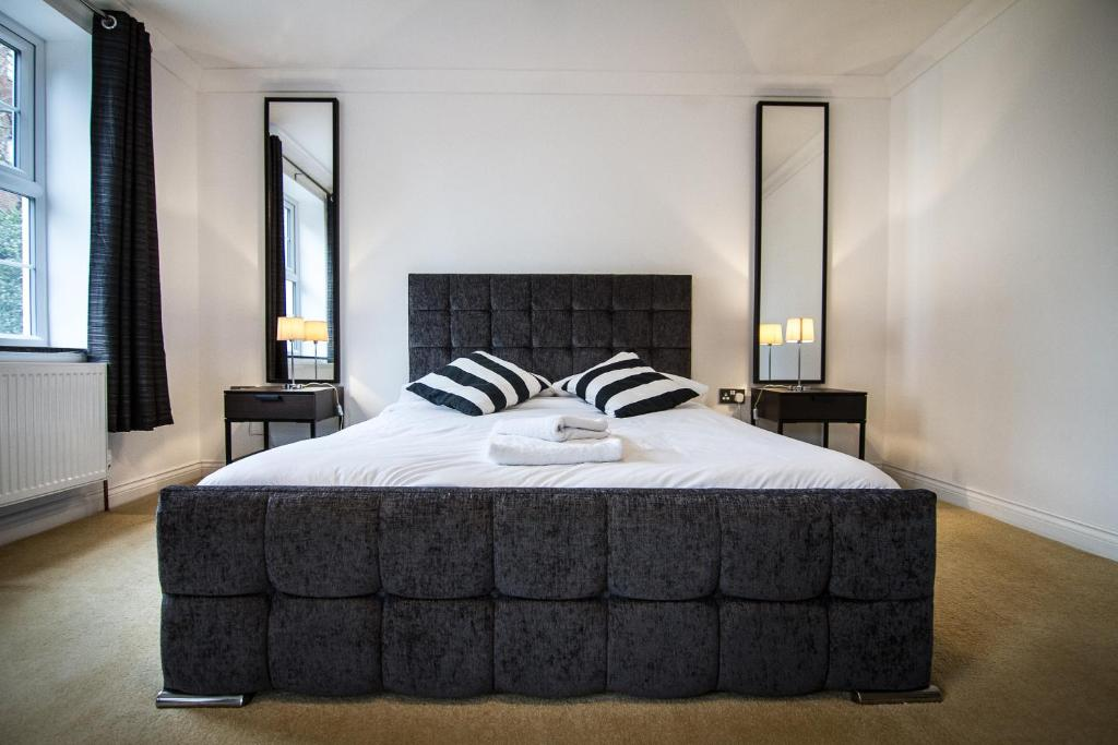 A bed or beds in a room at iStay - The Avenue