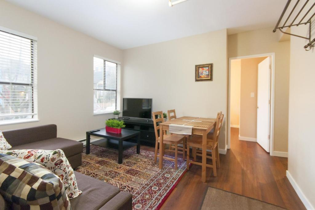 Two Bedroom Apartment In Downtown Vancouver Canada