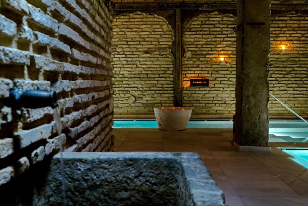 Aire Hotel & Ancient Baths 9