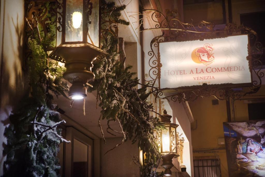 Hotel A La Commedia