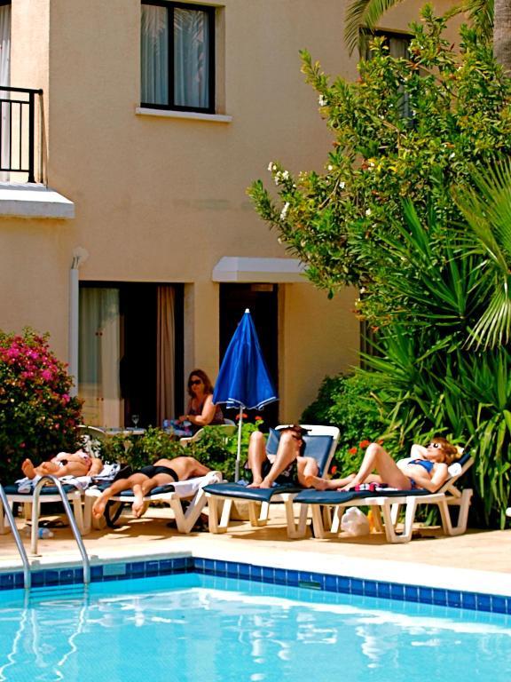 El Centro Gardens Apartments