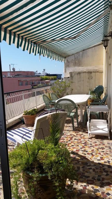 Veranda Terrasse Appartement : Appartement V u00e9randa Terrasse, Antibes, vr u00e1tane fotografi u00ed