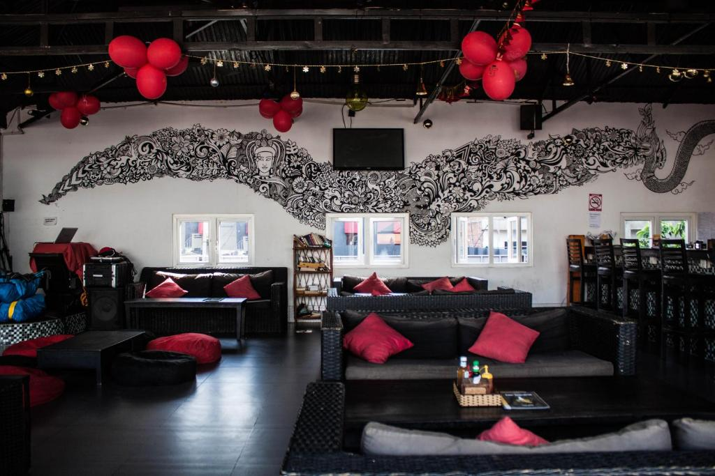 A seating area at Top Banana Guesthouse & Rooftop Bar