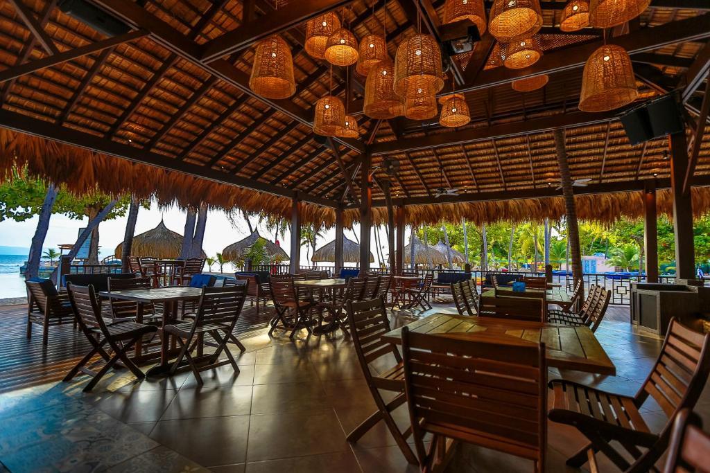 Resort moulin sur mer montrouis haiti for Reserver hotel payer sur place